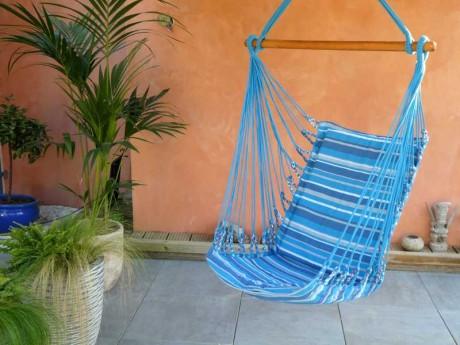 fauteuil hamac bleu clair