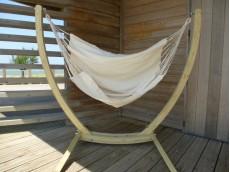 chaise hamac écru avec support bois