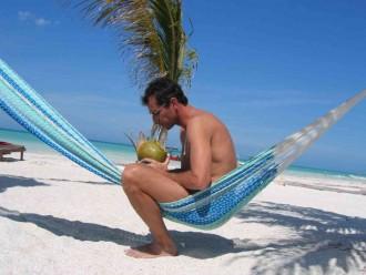 Hamac sur la plage