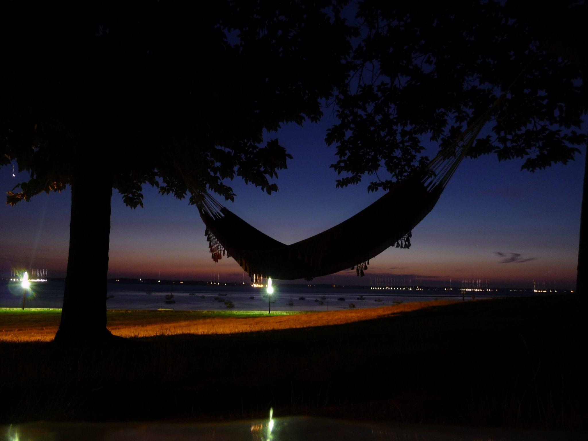 une nuit en hamac la belle toile tropical hamac. Black Bedroom Furniture Sets. Home Design Ideas
